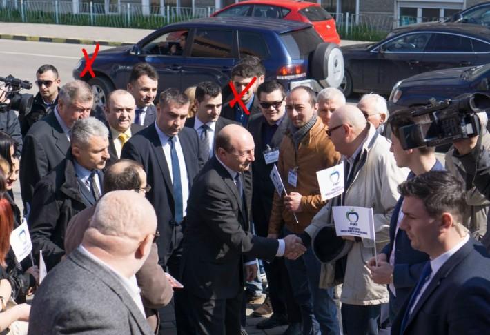 Scripat si Basescu